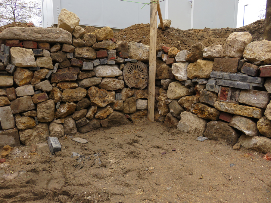 Construction Of A Dry Stone Wall At The Agrocité R Urban English